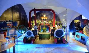 Selbst schwere Schiffsmaschinen sind im Museum buchstäblich zum Anfassen zu erleben. Foto: djd/Stadt Lauenburg/Elbe/Uwe Franzen