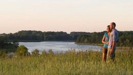 In die Ferne schauen und der Stille lauschen - das ist Urlaub in der Uckermark. Foto: djd/Kappest/Uckermark