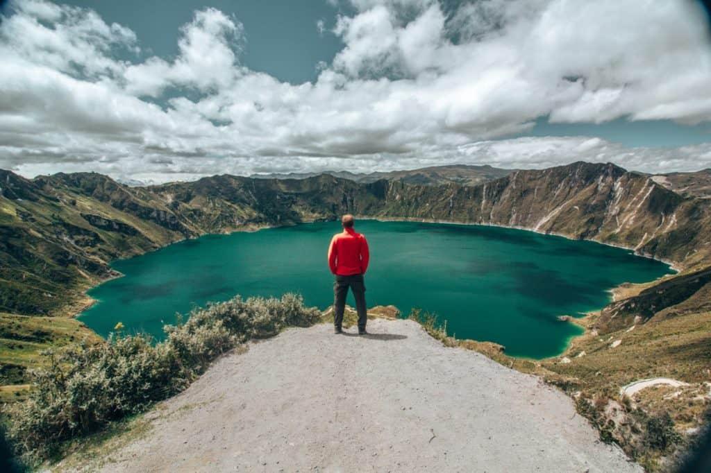Die türkise Quilotoa-Lagune in Ecuador