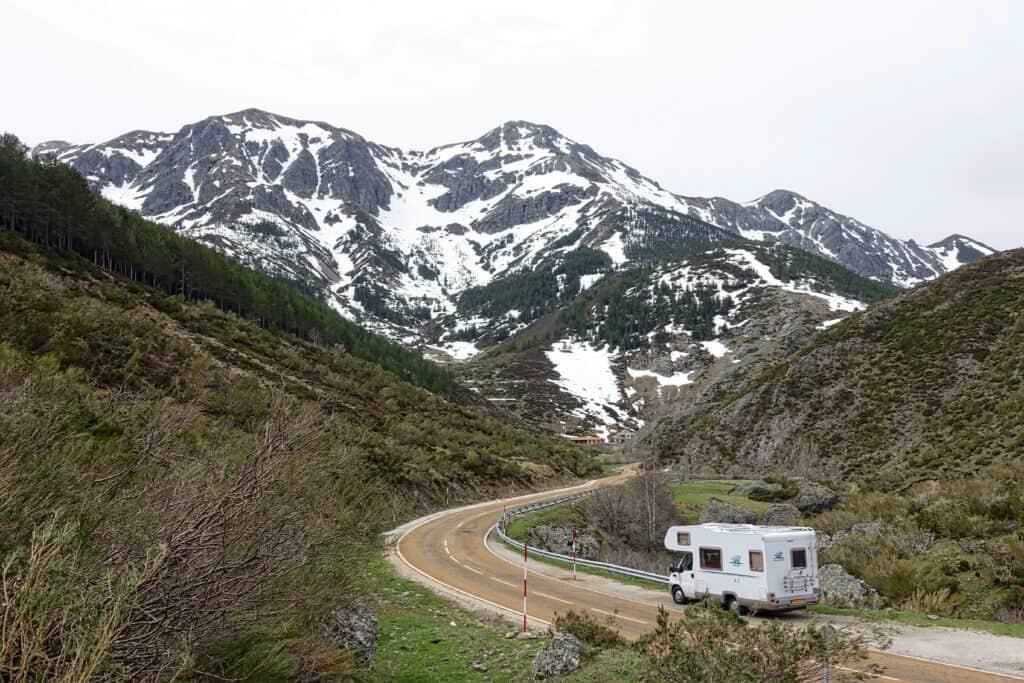 Urlaub mit dem Wohnmobil in den Bergen